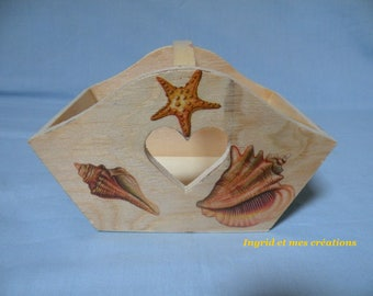 """Small wooden basket with handle """"shells"""""""