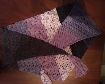 Crocheted kercheif scarf