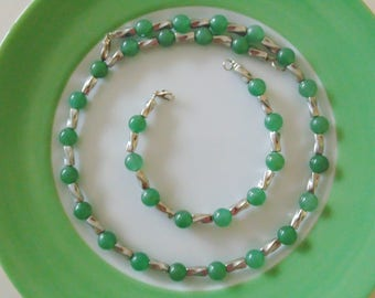 Necklace and bracelet with aventurine and silver plated tubes.
