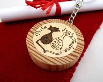 Wooden keyring personalized name, keyring engraved, wood burned name, kitten keyring, personalized cat medallion, personalized keyring