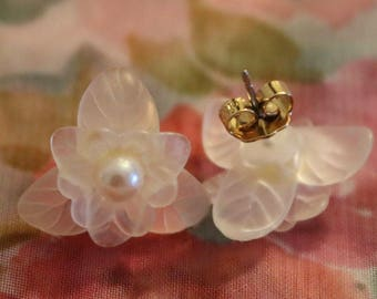 Flower with pearl accent earrings