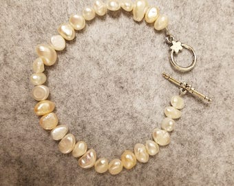 Cream colored Potato Pearl Bracelet about 8 1/2 inches long