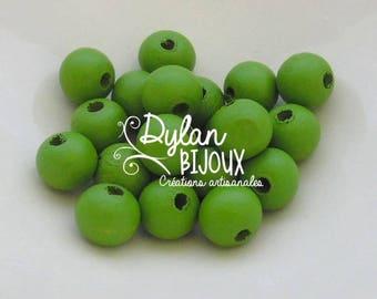 20 ⌀ 10 mm light green wooden beads