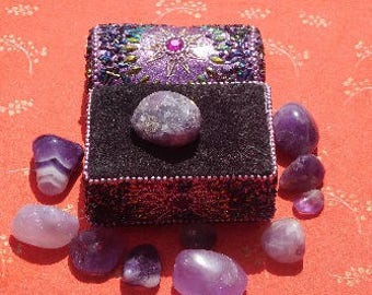 Selection of Amethyst and quartz varies sizes boxes included