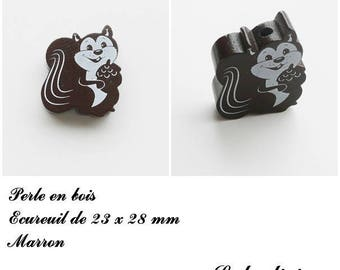 23 x 28 mm wood bead, Pearl flat squirrel: Brown