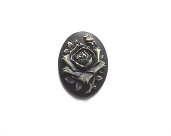 1 pink embossed cabochon 30 x 40 mm