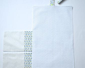Multicolored travel changing mat
