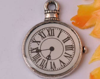 breloque horloge/montre à gousset en métal argenté 24x18.5mm