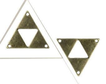 A connector, triangle, bronze, 3 cm x 2.6 cm