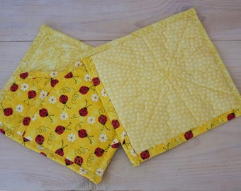 Set of 2 Ladybug Pot Holders, Children's Pot Holders, Quilted Pot Holders, Children's gift, Hot Pads