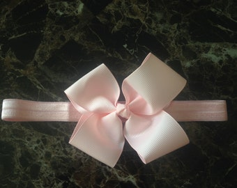 Simple Spring powder pink Baby Bow