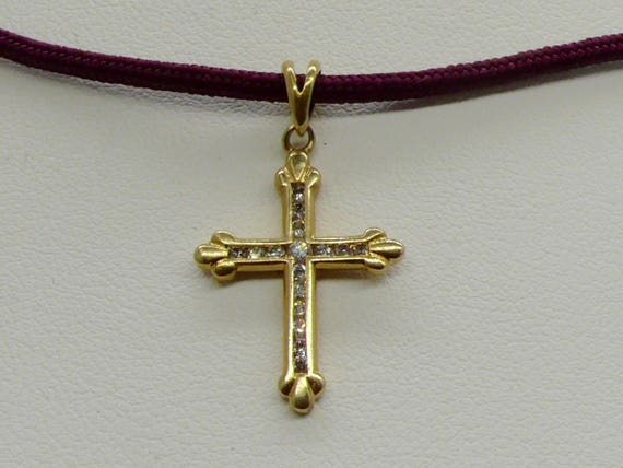 Beautiful Vintage 14kt Gold & Diamond Small Gothic Cross