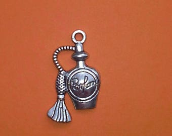 Charm perfume bottle with spray and inscription