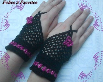 pair of mittens in bright Fuchsia and black cotton crochet for evening party or ceremony