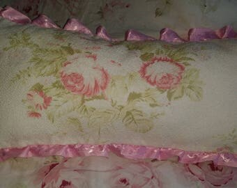 BEAUTIFUL SHABBY CHIC FLORAL CUSHION