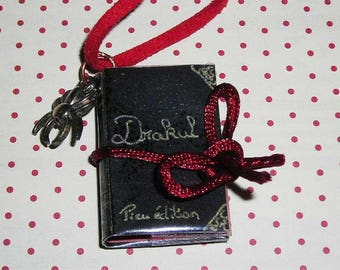 Book necklace Drakul (book necklace)