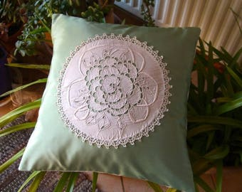 beautiful pillow, green satin and embroidered richelieu