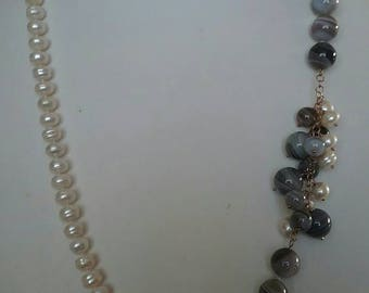 Pearl and agate necklace with silver clasp
