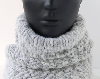 Gray Knit scarf, Knit Cowl Scarf, Women Chunky scarf, Hand Knit Snood, Gray snood, Chunky Knit scarf, Knitted snood, Ready to ship