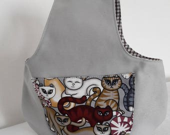 "Tote bag to hang, printed bag with balls of yarn on the arm, cotton fabric and grey ""crazy cat"""