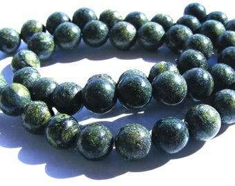8 jaspes de 8 mm perles pierre verte et jaune.