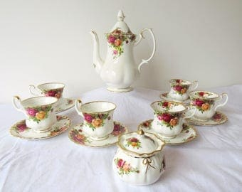 Vintage Royal Albert, Old Country Roses, Bone China England, porcelain set from 1962