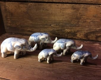 Elephants in blue and white, earthenware Elephants in blue and white earthenware