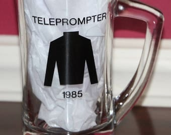 1985 Budweiser Arlington Million horse racing champion TELEPROMPTER glass mug