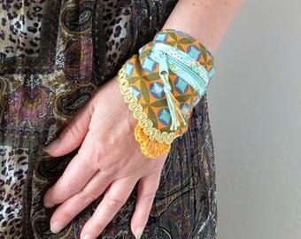Wrap bracelet with Bag