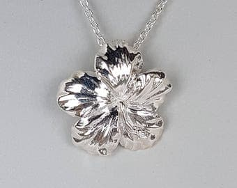 The Hibiscus Pendant Necklace 925 Sterling Silver high polish Polynesian Jewellery