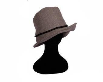 Cloche hat-cloche hat