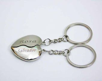 Engraved split heart keychain