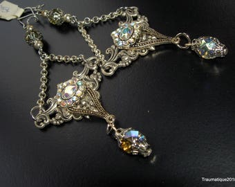Victorian gothic bridal earrings with chaines, rhinestones and czech faceted vintage glas beads, floral motif.