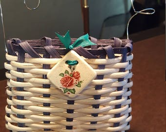 Valentine's basket. Give her a gift in a basket