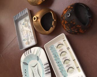 LOT 6 Sascha Brastoff mid-century ceramic ashtrays