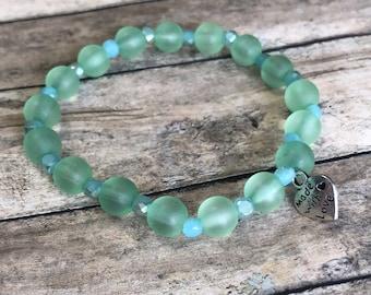 Light green bracelet. Beaded bracelet. Womens beaded bracelet.