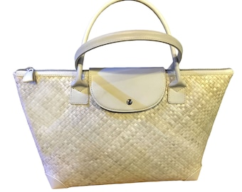 "HANDLE TOTE BAG WHITE40""  from krajood"