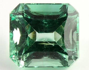 Rare Certified 10.62 ct Natural Colombian Emerald.