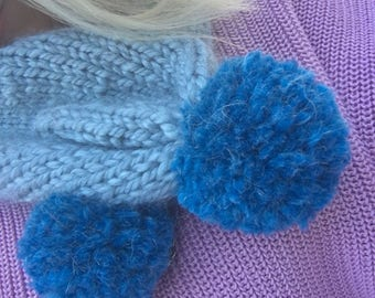 Hand-knitted PomPom Scarf