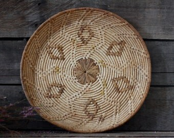 Antique round moroccan tray. Maroccan wall decor. Berber decor. French trivet. Kitchen basket. Maroccan decor. Maroccan weaving basket.