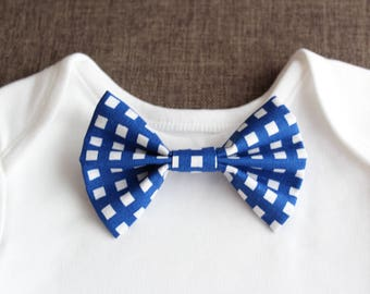 checkered baby bow tie, clip-on baby bow tie, blue bow tie, simple bow tie, stylish bow tie, elegant bow tie, wedding bow tie, country style