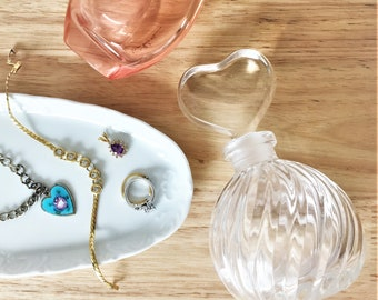 1980s Vintage Crystal Perfume Bottle with Heart Glass Stopper / Antique Perfume Holder / Retro Bathroom Accessories / Vintage Vanity Decor