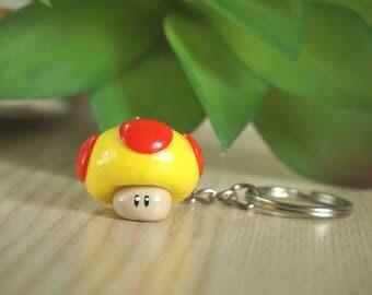 Super Mario Mushroom as key fob-from Fimo-Polymer clay-lucky mushroom-fly mushroom