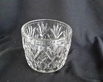 Anchor Hocking clear glass bowl with patterns of diamonds, pineapple, as starburst