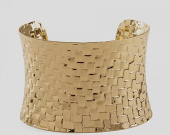 Gold bracelet Base for garnish.