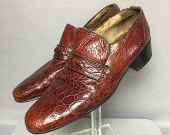 Red ALLIGATOR Embossed Leather 1970's Loafers, Mens 70s DISCO Shoes, size 11 Mens