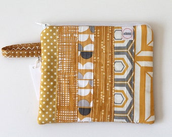 zipper pouch, pocket wallet, Change purse, earbud pouch, gift card holder, id holder, coin pouch, credit card wallet, yellow handbag mustard