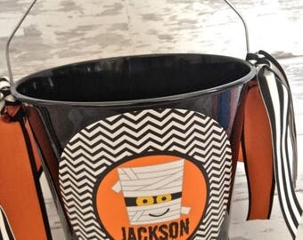 ON SALE Personalized 5 Quart Mummy Halloween Bucket with black and white chevron design