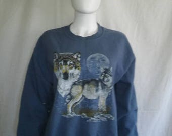 Closing Shop 40%off SALE Vintage wolf wolves sweatshirt   sweat shirt    moon     wild animal