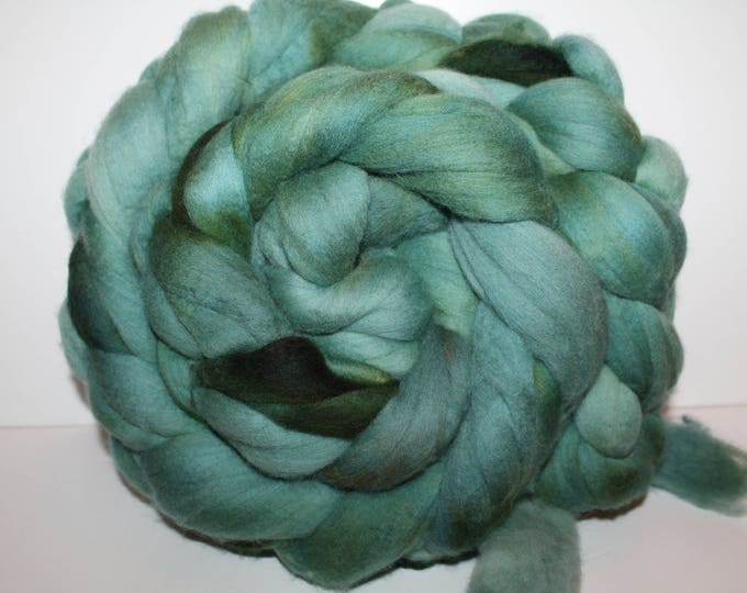 Kettle Dyed Merino Wool Top. Super fine. 19 micron  Soft and easy to spin. Huge 1lb Braid. Spin. Felt. Roving. M327